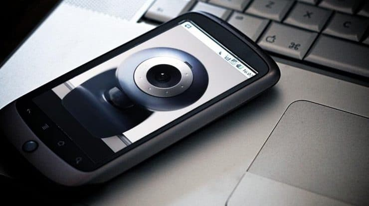 Turn Your Smartphone Into a Wireless Webcam