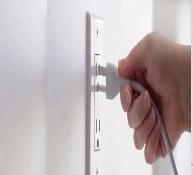 shows firestick being unplugged from power source